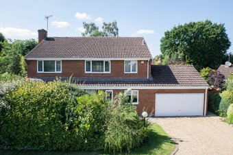 4 Bedroom house Sold, Tilt Meadow, Cobham, KT11