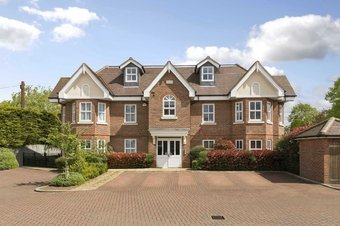 2 Bedroom apartment Under Offer, Tilt Road, Cobham, KT11