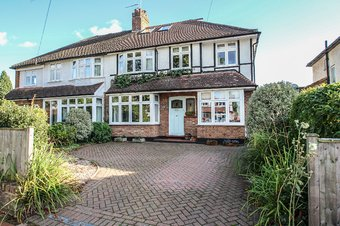5 Bedroom house Sale Agreed, Torrington Road, Claygate, KT10