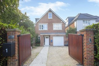 5 Bedroom house For Sale, Twinoaks, Cobham, KT11