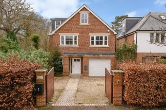 5 Bedroom house Sold, Twinoaks, Cobham, KT11