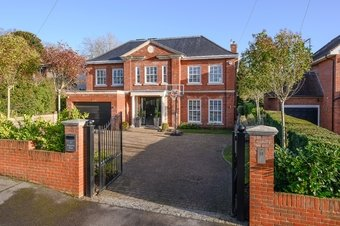 5 Bedroom house Sale Agreed, Twinoaks, Cobham, KT11
