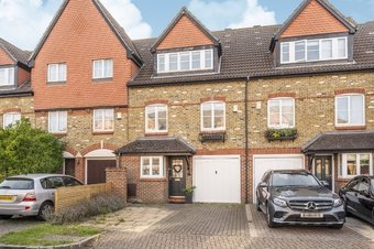 4 Bedroom house Sale Agreed, Virginia Place, Cobham, KT11