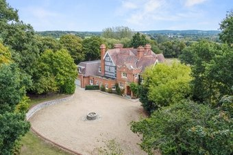 8 Bedroom house For Sale, Woodlands Lane, Cobham, KT11