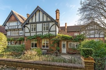 4 Bedroom house Sale Agreed, Wrens Hill, Oxshott, KT22