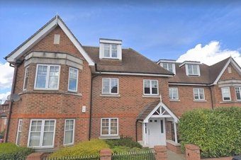 Property Results to let High Court Grosvenor Billinghurst