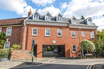 Property Results to let Flat 4 Elm Court Grosvenor Billinghurst