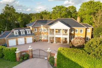 6 Bedroom house To Let, 6 Kings Warren, Oxshott, KT22
