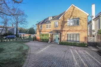 5 Bedroom house To Let, 60 Stevens Lane, Claygate, KT10