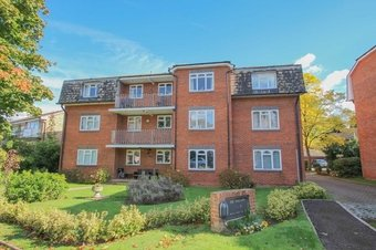 2 Bedroom apartment Let Agreed, Albany Crescent, Claygate, KT10