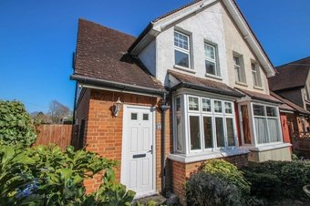 2 Bedroom house Let Agreed, Aston Road, Claygate, KT10