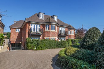Property Results to let Flat 1 Oakdene Court Grosvenor Billinghurst