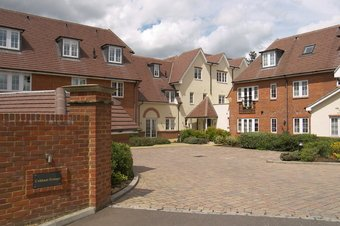 2 Bedroom apartment To Let, Between Streets, Cobham, KT11