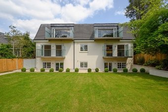 2 Bedroom apartment To Let, Claremont Lane, Esher, KT10