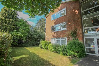 2 Bedroom apartment Let Agreed, Downham Court, Walton on Thames, KT12