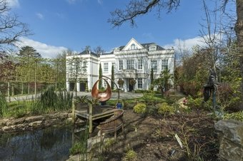 7 Bedroom house To Let, Fairoak Lane, Oxshott, KT22