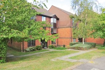 1 Bedroom apartment Let Agreed, Foxhills, Woking, GU21
