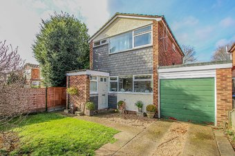 3 Bedroom house Let Agreed, Glebelands, Claygate, KT10