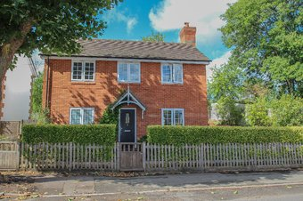 2 Bedroom house Let Agreed, Hare Lane, Claygate, KT10