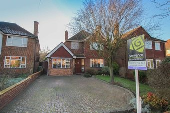 3 Bedroom house Let Agreed, Harefield, Hinchley Wood, KT10