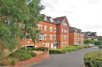 2 Bedroom apartment Let Agreed, Heathside Road, Woking, GU22