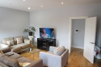 1 Bedroom apartment To Let, High Street, Esher, KT10