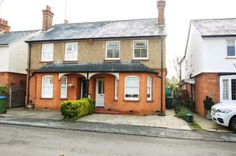 3 Bedroom house Let Agreed, Hogshill Lane, Cobham, KT11