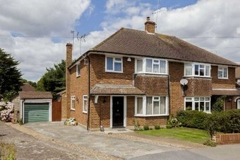 3 Bedroom house To Let, Langbourne Way, Claygate, KT10