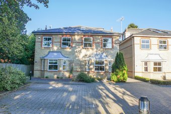5 Bedroom house Let Agreed, Lavender Gate, Oxshott, KT22
