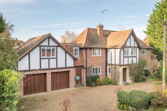 5 Bedroom house To Let, Leigh Place, Cobham, KT11