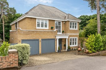 7 Bedroom house Let Agreed, Links Green Way, Cobham, KT11