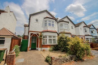3 Bedroom house Let Agreed, Loseberry Road, Claygate, KT10