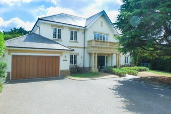 6 Bedroom house To Let, Manor Way, Oxshott, KT22