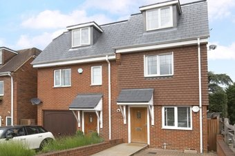 3 Bedroom house To Let, Oakshade Road, Oxshott, KT22