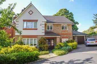5 Bedroom house To Let, Old Oak Close, Cobham, KT11