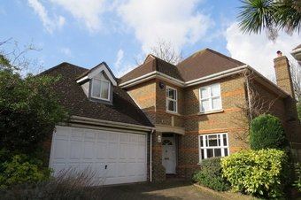 4 Bedroom house Let Agreed, Pemberton Place, Esher, KT10