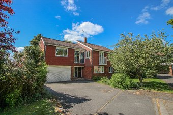 6 Bedroom house Let Agreed, Queen Anne Drive, Claygate, KT10