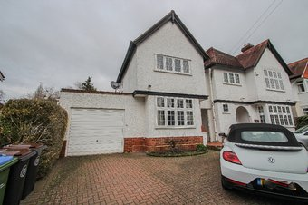 2 Bedroom Annexe Let Agreed, Raleigh Drive, Claygate, KT10