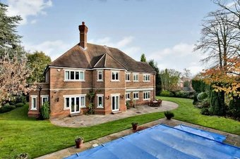 5 Bedroom house To Let, Rosebriars, KT10