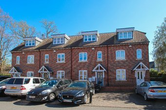 Property Results to let 17 Grosvenor Billinghurst