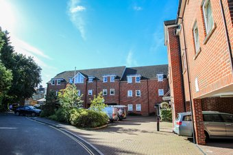 2 Bedroom apartment Let Agreed, Station Way, Claygate, KT10