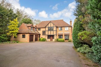 5 Bedroom house Let Agreed, The Barton, Cobham, KT11