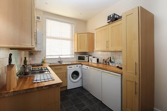 2 Bedroom apartment To Let, The Parade, Claygate, KT10
