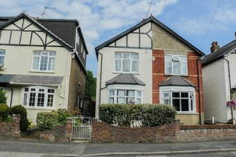 2 Bedroom house Let Agreed, Vale Road, Claygate, KT10