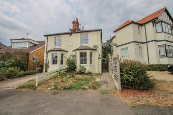 3 Bedroom house Let Agreed, Vale Road, Claygate, KT10