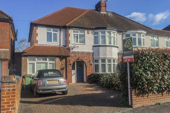 4 Bedroom house Let Agreed, Westmont Road, Hinchley Wood, KT10