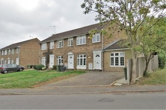 4 Bedroom house Let Agreed, Wood Rise, GU3