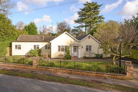 Latest Properties 90 Fairmile Lane,  Grosvenor Billinghurst