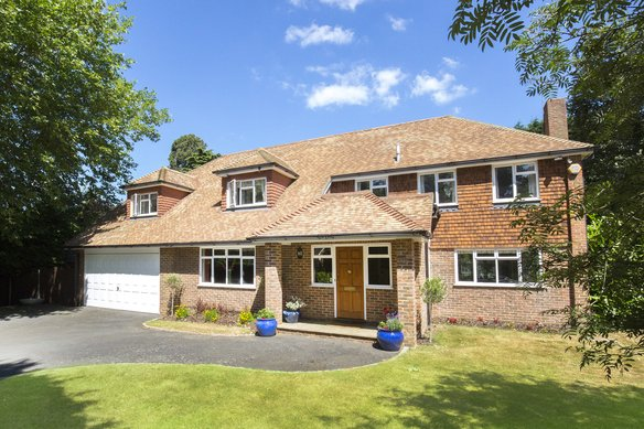 Latest Properties Ashcroft Park, Cobham Grosvenor Billinghurst