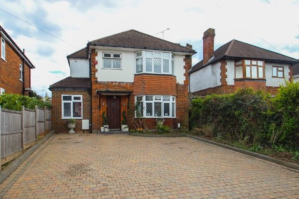 Latest Properties Common Road, Claygate Grosvenor Billinghurst